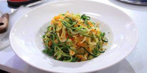 Tagliatelli com Frango e Legumes – 346 kcal
