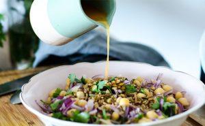 Salada de Couve Roxa com Maça e Aipo